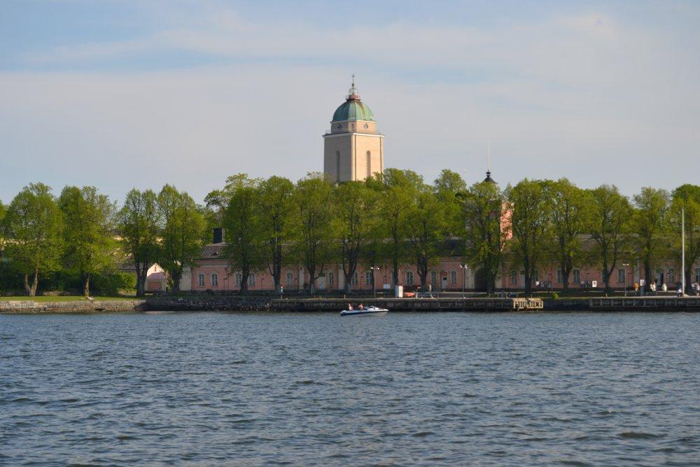 Jo merimatka Suomenlinnan lautalla on elämys.