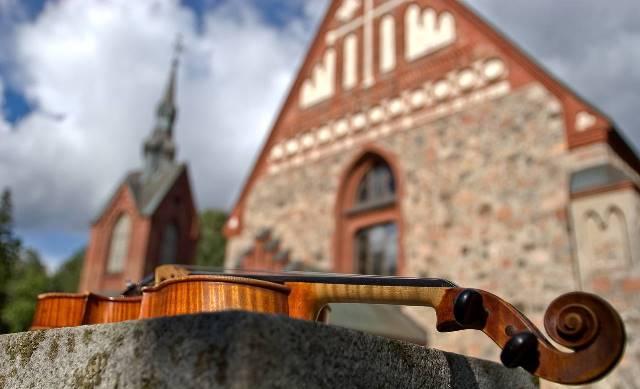 Pyhän Laurin kirkko, Vantaa. Kuva: Vantaan matkailu
