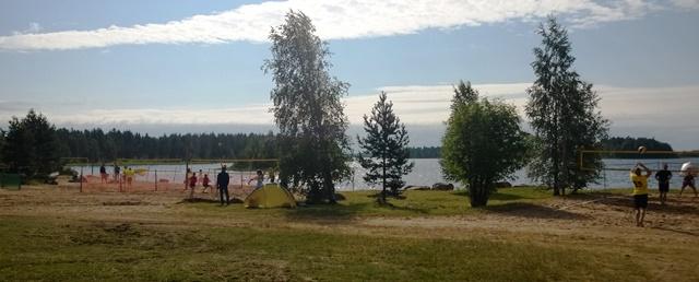 Sahanrannan uimaranta Vaalan taajamassa. Kuva: KivaaTekemistä.fi