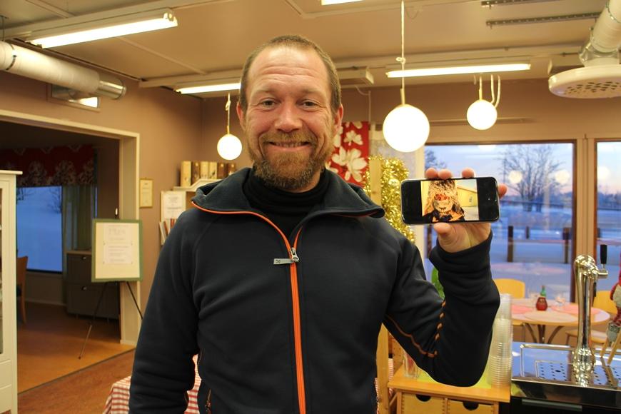 Iloinen ja puhelias Ritzo nautti erämaan rauhasta. Kuva: KivaaTekemistä.fi