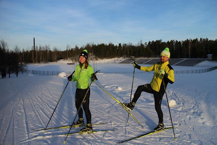 Tuusulan urheilukeskus, tammikuu 2017. Annella ja Matti-Jussilla riitti vinkkejä ja tsemppiä!! Kuva: KivaaTekemistä.fi