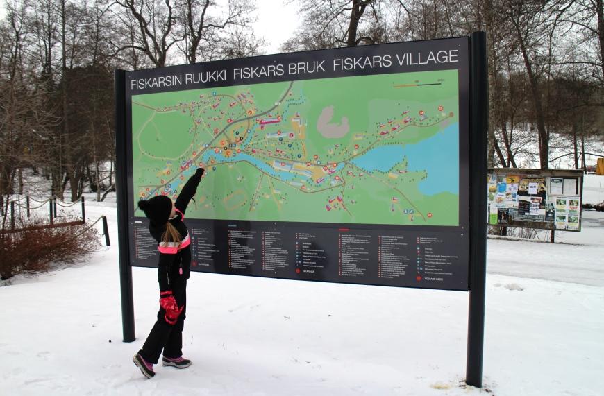 Selkeiden opastetaulujen myötä Fiskarsin Ruukin alueeseen on helpompi tutustua. Kuva: KivaaTekemistä.fi