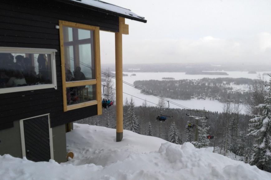 Tahkon uusittu Panorama Bar & Café. Kuvat: KivaaTekemistä.fi