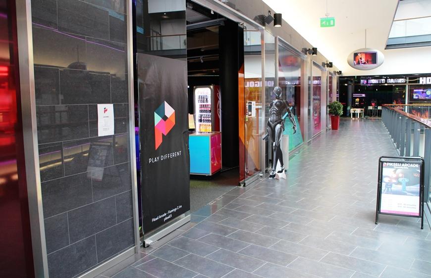 Pikseli Arcade sijaitsee Viihdekeskus Flamingon 2. kerroksessa. Kuva: KivaaTekemistä.fi