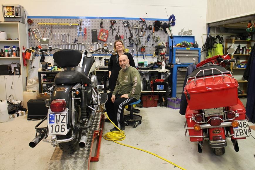 Moottoripyöräily on Pian ja puolisonsa Mikan yhteinen tärkeä harrastus. Kuva: KivaaTekemistä.fi