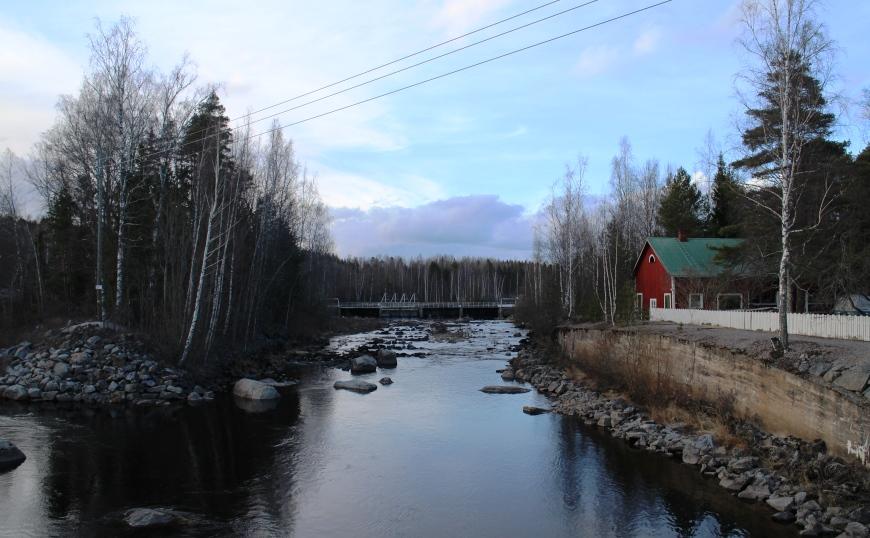 Nokian Siuron kylä koskineen ja puutaloineen on kiva historiallinen vierailukohde. Kuva: KivaaTekemistä.fi