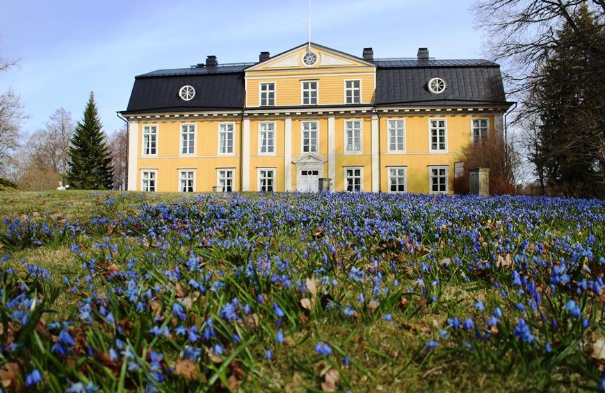 Mustion Linnan päärakennus vuodelta 1792 toimii museona. Kuva: KivaaTekemistä.fi