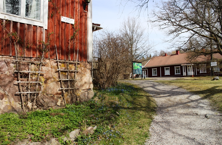 Mustion Linnan kartanohotellin rakennuksia. Kuva: KivaaTekemistä.fi