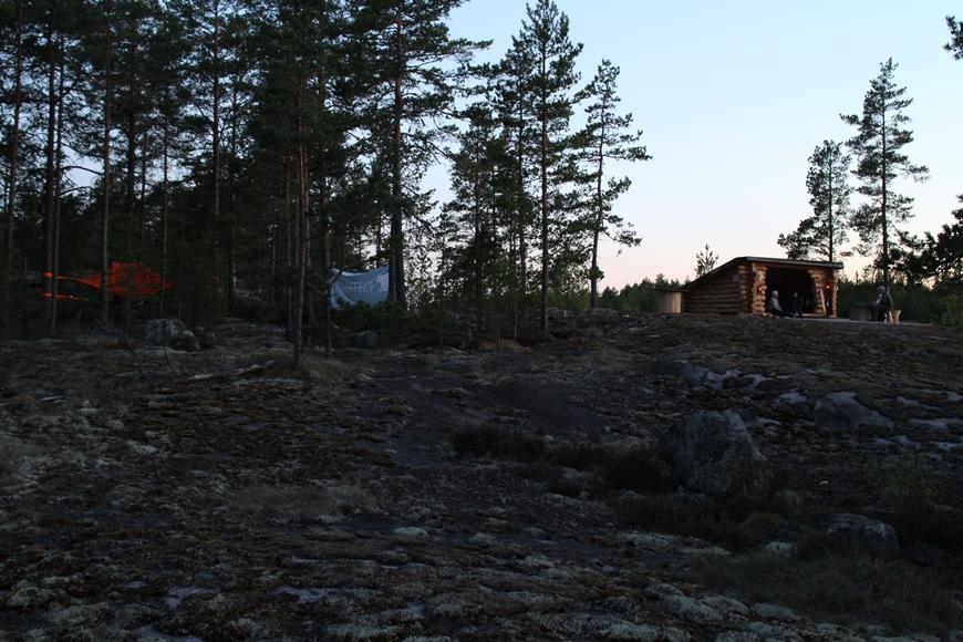 Eco Camp hiljenee yöpuulle. Kuva: KivaaTekemistä.fi