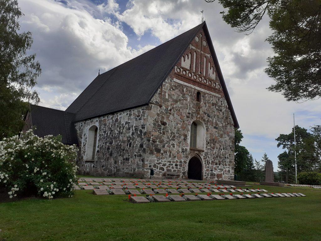 Sipoon vanha kirkko 1450-luvulta.