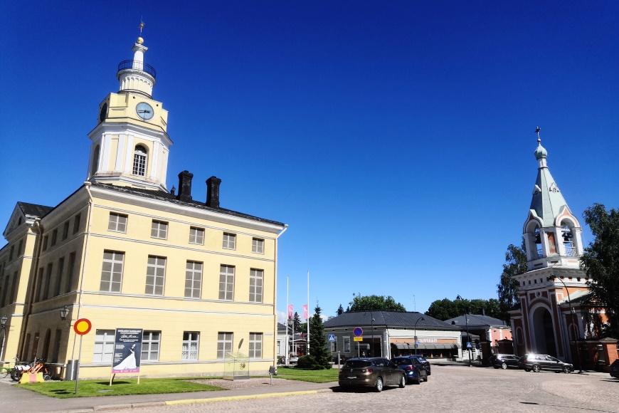 Yksi ihana kesäkaupunki Kaakkois-Suomessa on hamina, jossa vierailimme lomareissulla. Kuva: KivaaTekemistä.fi