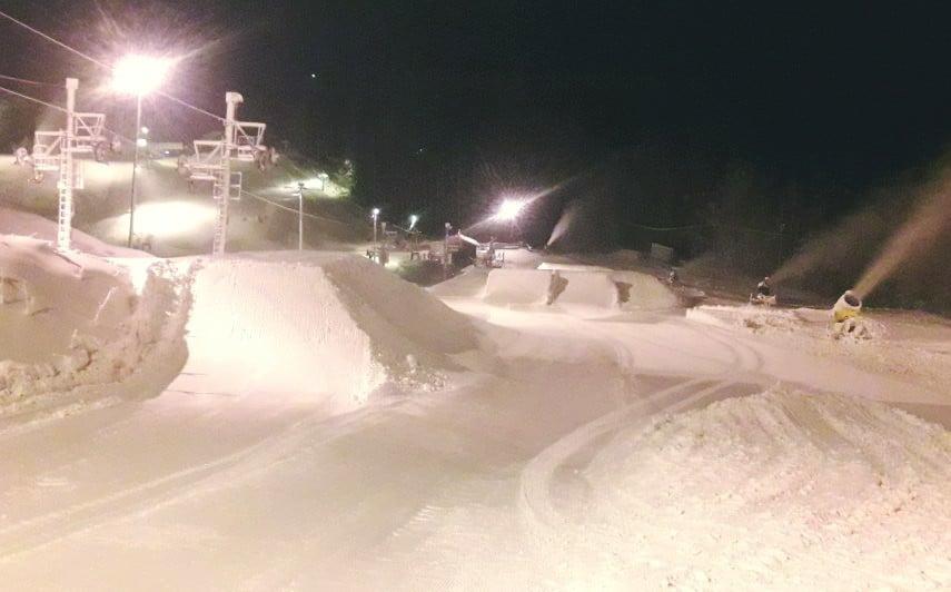 Sipoon Talmassa streetin hyppypuoli aukesi sunnuntaina. Kuva: Talma Ski