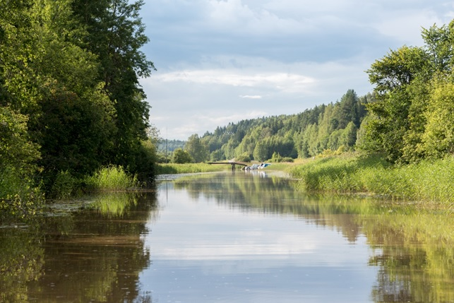 The Sipoo river is a slowly flowing vein that goes through the entire municipality. In times past it was an important route for both travel and transportation. The Sipoo river of today is a wonderful place for peace and recreation. Photo: Suvi Suovaara