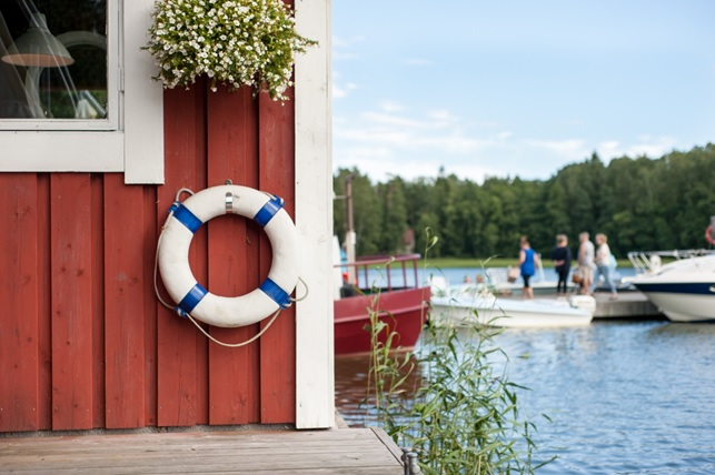 The picturesque archipelago can be accessed by boat or ferry. You can rent a small rowing boat with a small outboard engine, use the convenient Bout app to book a ride or charter one of the many local transportation companies' vessels even for the whole day. Photo: Suvi Suovaara