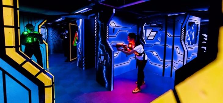 Megazone-laserpeli on sadepäivän pelastus. Kuvassa uusi Tampereelle keväällä 2017 avattu Megazone